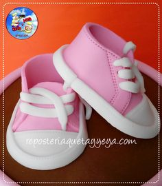 Zapatitos en fondant, fondant shoes https://www.facebook.com/QuetayYeya