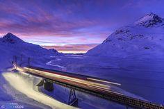 Photo Mountain Train by Roberto Sysa Moiola on 500px