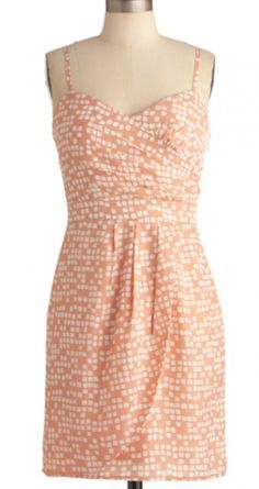 le sigh. Sweet, flirty, and adorable. I feel pretty just looking at this dress.