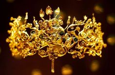 A diadem from 4th century BC discovered in one of the Macedonian royal tombs in Vergina