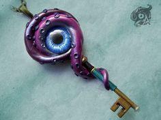 Key to R'lyeh Kraken pendant 8cm - Violet polymer clay tentacles & blue glass eye - Fantasy Steampunk Cthulhu Lovecraft - chain sold sep.