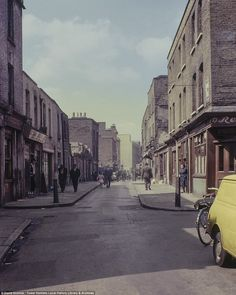 The technicolour images taken between 1960 and 1980 give an intimate portrayal of East London, and have been published for the first time after they were discovered at Tower Hamlets archive centre. Old London, East End London, Eaton Square, Clapham Common, Highgate Cemetery, Tower Hamlets, London History, Westminster Abbey, London Photos