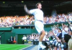 Amazing scenes aftr Murray's win in round of 16 match at Wimbledon 2008 vs Gasquet.. Probably the noisiest centre court crowd ever ! Quite unlike Wimbledon