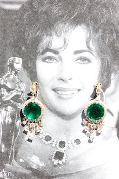"""""""After his marriage with Liz, Richard Burton gifted her with numerous iconic pieces such as this magnificent necklace in platinum and emerald for an estimated total of 60.50 carats, which she received in 1964 as a wedding gift. Earrings, Bulgari"""""""
