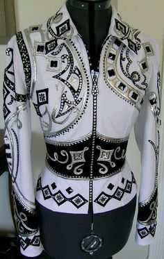 Gorgeous... I know this is a show shirt, but I would totally wear it out to a nice dinner or something!