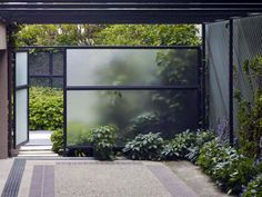 Enjoy your relaxing moment in your backyard, with these remarkable garden screening ideas. Garden screening would make your backyard to be comfortable because you'll get more privacy. Modern Landscaping, Backyard Landscaping, Landscaping Ideas, Landscape Architecture, Landscape Design, Landscape Plans, Architecture Design, Veranda Design, Modern Garden Design