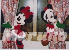 MIKY Y MINI SUJETADORES DE CORTINAS Mickey Christmas, Christmas Time, Merry Christmas, Felt Crafts, Diy And Crafts, Felt Banner, Sewing Stuffed Animals, Happy Birthday Messages, Christmas Decorations