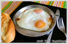 HUEVO AL PLATO Eggs, Breakfast, Food, Spanish Omelette, Cooking Recipes, Dishes, Food Cakes, Favorite Recipes, Morning Coffee