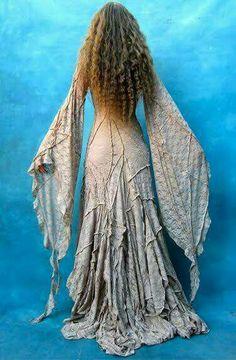 Crinkly medieval faerie fairy gown dress renaissance Source by iamgtellie dresses Gypsy Style, Boho Gypsy, Hippie Boho, Bohemian Style, Hippie Style, Bohemian Skirt, Boho Chic, Mundo Hippie, Estilo Hippie