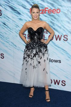 """Blake Lively attends the NYC premiere of """"The Shallows"""" wearing custom Carolina Herrera"""