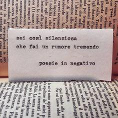 Lo so . e lo sempre saputo . Italian Phrases, Italian Words, Drawing Quotes, Story Instagram, Motivational Phrases, Some Words, Tumblr, Sentences, Positive Quotes