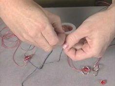 DIY- Brincos em macramé com contas e missangas- do programa de TV Beads, Baubles and Jewels (2009) - Macrame Earrings - artista SHERRY HAAB