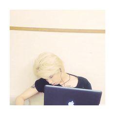 """"""" 「ライブ映像見ながら寝ちゃった。笑 お疲れ様です。」 Video by teru0528 """""""