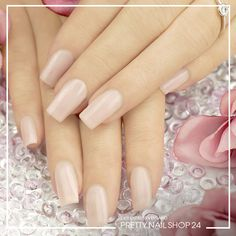 #nails #trend #rosa #pns24 Dass weniger eben doch manchmal mehr ist, beweist dieses dezente Design in puderrosa. Wie sehen Eure dezent edlen Designs aus?
