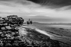 #shipwreck #landscape #seascape #sea #gytheio #greece #Ελλαδα #Γυθειο #black_and_white