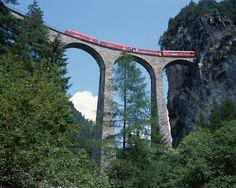 スイス山岳鉄道とランドワッサー橋 フィリズール スイス (c)STUDIO B/SEBUN PHOTO