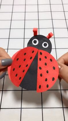 Cute Origami Coccinella Septempunctata Handmade Video Tutorial - My best diy and crafts list Diy Home Crafts, Diy Arts And Crafts, Creative Crafts, Diy Crafts To Sell, Diy Crafts For Kids, Fun Crafts, Art For Kids, Sell Diy, Kids Diy