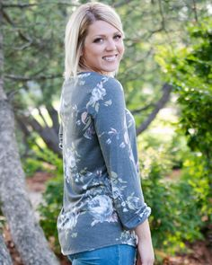 Relaxed fit Dark grey with light blue, blush and green floral pattern Fit is true. Long Balloons, Mom Style, Summer Wardrobe, Summer Vibes, Dark Grey, Floral Tops, Light Blue, Autumn Fashion, Summer Outfits