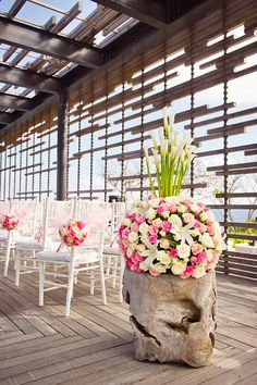 #LeMariage #Indonesia #Magazine #Wedding #Ideas #Decoration wedding in Bali at Alila Villas Uluwatu, photo by Marcus Bell of Studio Impressions
