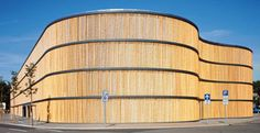Estacionamento em Leipzig, na Alemanha, inaugurado em 2004, foi todo feito de bambu