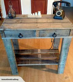 Two Great Pallet Wood Projects For Re-purposing Old Pallets - Wood Advisor Decor, Diy Pallet Projects, Furniture Maker, Wood Pallets, Rustic Furniture, Wood Projects, Home Decor, Furniture Projects, Pallet Designs