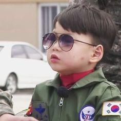 대한 민국 만세 (@songbrothers) • Instagram photos and videos Song Daehan, Song Triplets, Baby Pictures, Seoul, Superman, Children, Kids, Songs, Photo And Video