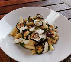 Pasta fredda con zucchine, mozzarella e menta – Basilico secco