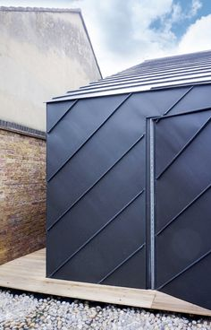 A wedge-shaped studio by London studio de Rijke Marsh Morgan (dRMM)