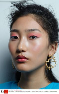 Spring Makeup Trends For 2019 - Best Spring Beauty Trends Informations About Every High Fashion Make Up Looks, Beauty Kit, Beauty Hacks, Beauty Products, Makeup Products, Makeup Trends, Beauty Trends, Make Up Inspiration, Character Inspiration