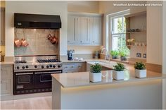U shaped kitchen designs. Good Kitchen design will make your room comfortable. From this site we will provide design inspiration about u shaped kitchen designs. Corner Kitchen Pantry, Long Kitchen, Open Plan Kitchen, New Kitchen, Kitchen Floor, Small L Shaped Kitchens, U Shaped Kitchen, Home Design, Interior Design