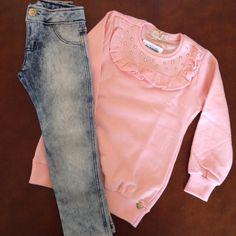 #LiquidaOutonoinverno2015  ✔️ Conjunto calça jeans e moletom com strass.