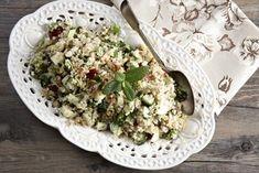 salata-taboule-kinoa-lag Cake Roll Recipes, My Recipes, Recipies, Cooking Recipes, 30 Cake, Salad Bar, Rolls Recipe, Salad Dressing, Feta