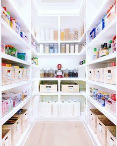 Pantry Organisation, Pantry Room, Kitchen Pantry Design, Kitchen Organization Pantry, Diy Kitchen Storage, Home Organization, Pantry Shelving, Pantry Closet, Walk In Pantry