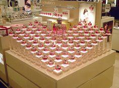 Display para el Perfume de Nina Ricci by tonytacacci on flickr.com