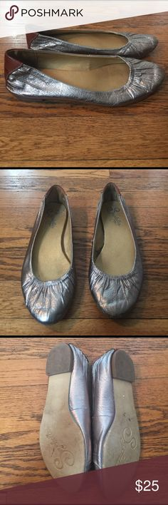 Seychelles flats Nice pair of of Seychelles flats how's light signs of wear not noticeable.very cute shoe in good condition. Seychelles Shoes Flats & Loafers