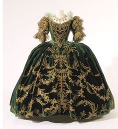 Marie Antionette (1938) Movie Costume. would love to wear to a ball. . . . would love to go to a ball in costume :) #onthebucketlist
