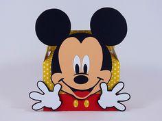 Linda Caixinha do tipo lancheirinha no tema Mickey. É uma encantadora opção para lembrancinha da sua Festa Mickey.