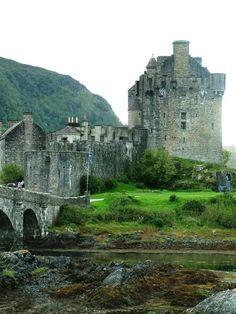 Scotland Castle #castles, #Scotland, #nature, #pinsville