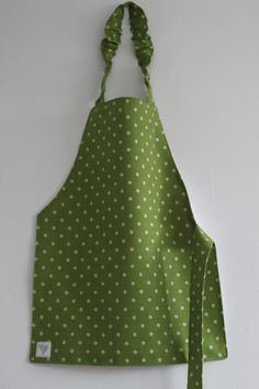 child's apron Montessori style in green checked by sprigkids