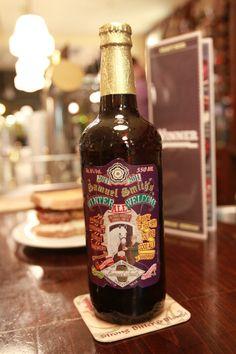 Samuel Smith Winter Welcome ALE. Exclusiva cerveza de invierno de la marca inglesa. Su estilo English Strong Ale y su botella de 55cl la convierten en una excelente bebida alcohólica para los tiempos fríos.