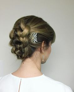 knotted braid in mid-length hair with a Lulu Frost decorative comb.