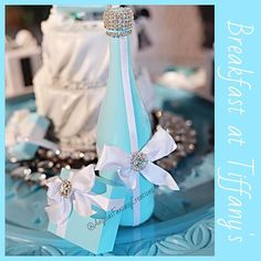 #Regram from @storybook_bliss thank thank you so so much for having us part of this beautiful #breakfastattiffanys styles shoot! Our @tiffanyandco inspired #memorybottlle and little #giftbox #favors came out beautiful! More photos to come stay tuned! #champagne #champagnebottle #styledshoot #tiffanyandco #tiffanys #bluebox #tiffanysbox #poppinbottles #babyshower #bridalshower #Bachelorparty