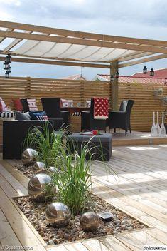 altan,trädäck,pergola,sittbänk,solsegel