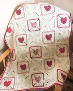 Free pattern The first square for Joy In My Heart Blanket pattern is released here with more coming throughout February.