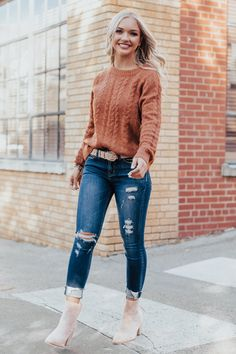 131 casual spring outfits women you'll copy this season 8 Spring Outfits Women Casual, Fall Winter Outfits, Stylish Outfits, Cute Outfits, Date Outfit Casual, Hot Mom Outfits, Outfits For Women, Casual Teacher Outfit, Fancy Casual Outfits