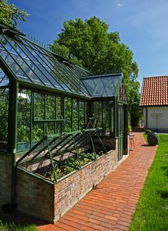 How to make the small greenhouse? There are some tempting seven basic steps to make the small greenhouse to beautify your garden. Greenhouse Supplies, Greenhouse Shed, Greenhouse Growing, Small Greenhouse, Greenhouse Gardening, Greenhouse Wedding, Outdoor Greenhouse, Container Gardening, Greenhouse Kitchen