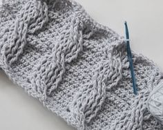 Cables are not just for knitters! I'm in love with how beautifulchunky cables look when used in home decor.…