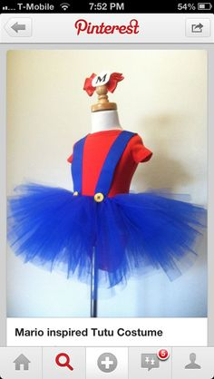 ORIGINAL Mario inspired tutu costume, if you have 2 girls they can go as Mario and Luigi! Halloween Motto, Halloween Kostüm, Diy Halloween Costumes, Holidays Halloween, Girl Costumes, Tulle Costumes, Scarecrow Costume, Halloween Treats, Costume Ideas