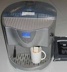 Damit der Kaffee lange schmeckt: Wissenswertes zu Kaffeevollautomaten..  http://der-seniorenblog.de/produkte-senioren/verbraucherinfos-sonderangebote/   Johann H. Addicks / Wikipedia