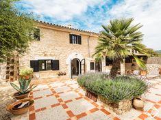 Casa rural renovada en venta en Andratx, al oeste de Mallorca